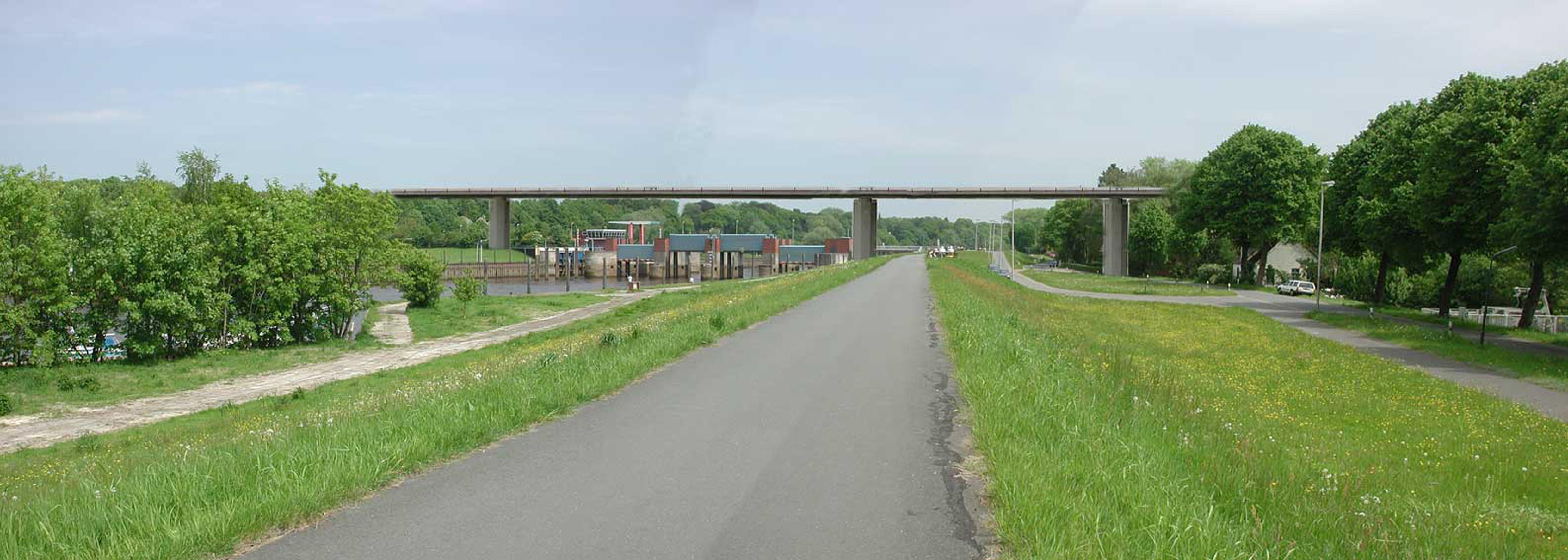 Fotomontage Lesumbrücke
